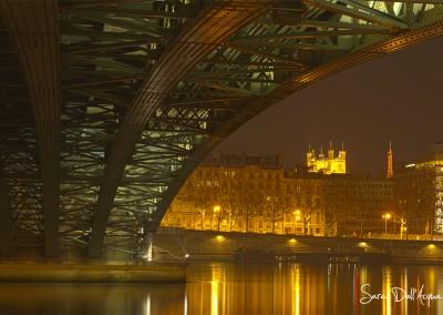 Sous le pont Fourviere
